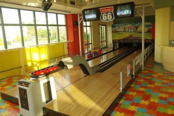bowling00394819CFE-50C7-B744-DFD0-F3FF25ABA790.jpg