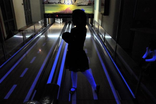 bowling004FC9FD5B1-870D-E325-1430-1EF74CE9DF92.jpg