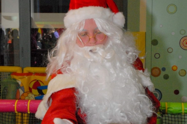 christmas01026FB9ED9-3B27-F4AC-ED09-441A3DF83661.jpg